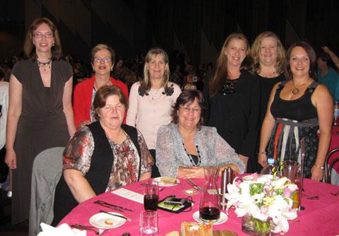 Dinner-table-of-girls