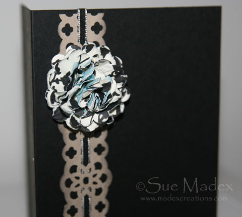 Flower-card-black-2
